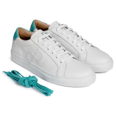 Weiße Sneaker voll im Trend - Paul & Prediger mit limtiertem Modell made in Italy