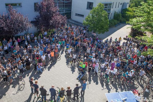 """Auszeichnung, """"Fahrradfreundlichste Schule Deutschlands"""" wird seit 2013 durch die AKTIONfahrRAD verliehen"""