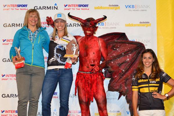 Irina und Anita Krenn - Siegerinnen Regionswertung Salzkammergut Trophy 2017 mit Teufel - Strecke A (Foto: Joachim Gamsjäger)