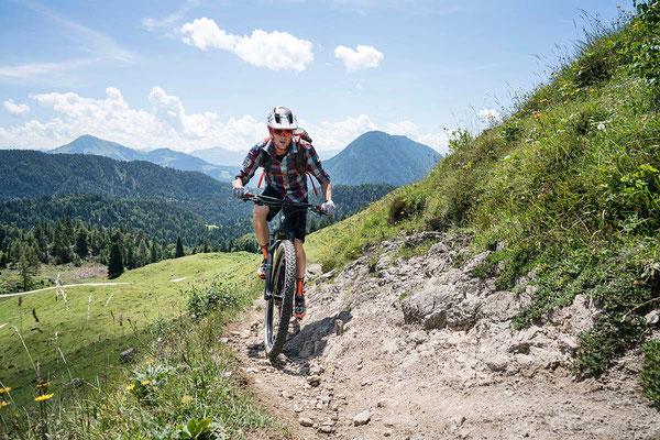 """Zum 1.000 Kilometer weiten Streckennetz der E-Bike-Destination """"Kitzbüheler Alpen – Kaisergebirge"""" zählt auch die Region Wilder Kaiser/Tirol. ©Wilder Kaiser/Sternmanufaktur"""