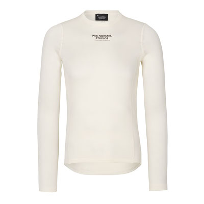 Pas Normal mit Polartec® Power Wool™ ist in drei verschiedenen Unisex-Ausführungen erhältlich – Langarm (98,75 Euro).