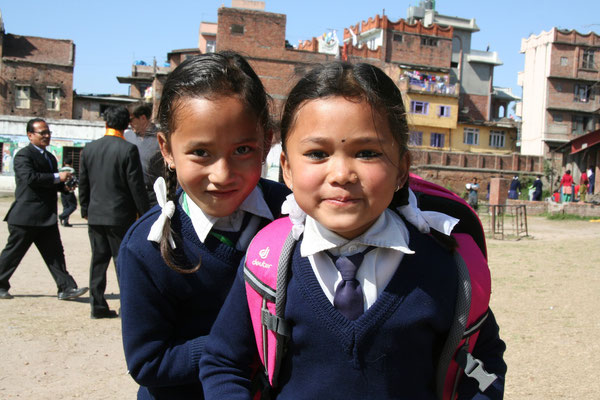 © Deuter - Schulkinder in Nepal