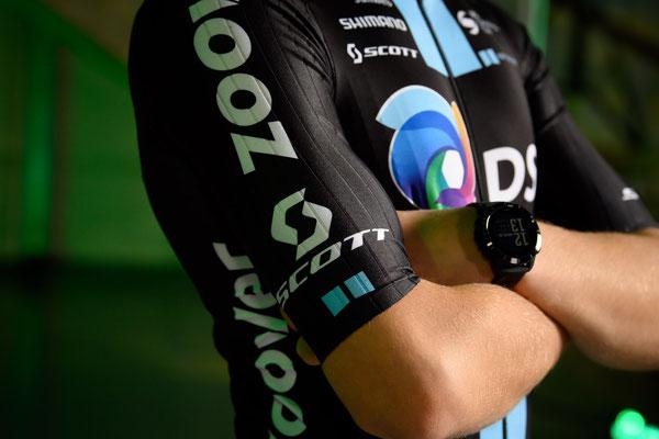 Bioracer stattet die Profisportler des Teams DSM mit maßgeschneiderter Rennbekleidung aus
