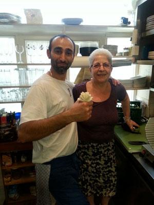 Jacki mit der inzwischen verstorbenenen Vanda Schiffler, die das Restaurant zusammen mit ihrem Mann eröffnet hat.