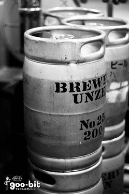 ブリマーブルーイングさんで撮ったビールのケグ(樽)。モノクロにしてみました。(川崎市)