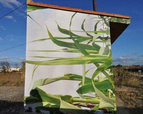 Bâtiment de surveillance des crues, RD 914 Saleilles,  impression numérique sur film adhésif et alu composite, 28m², 2009