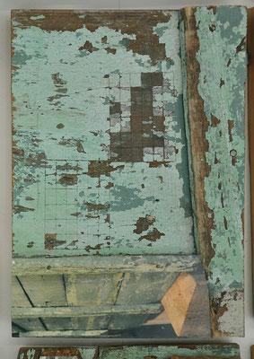 Photodécoupe 1, 2007, portes anciennes dépeintes et découpées au format A4,  images photographiques, 190x140x9cm.