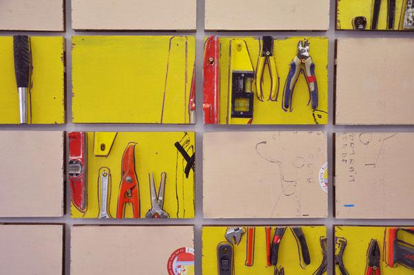 Photodécoupe 3, 2009, portes isoplanes avec outils découpées au format A4,  130x250x10cm.