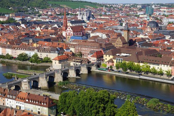 Blick von der Festung auf Würzburg