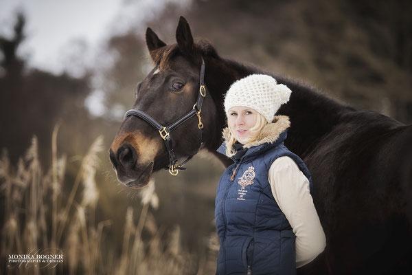 Fotoshooting im Winter mit Pferd