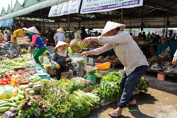 Wässern des  frischen Gemüses