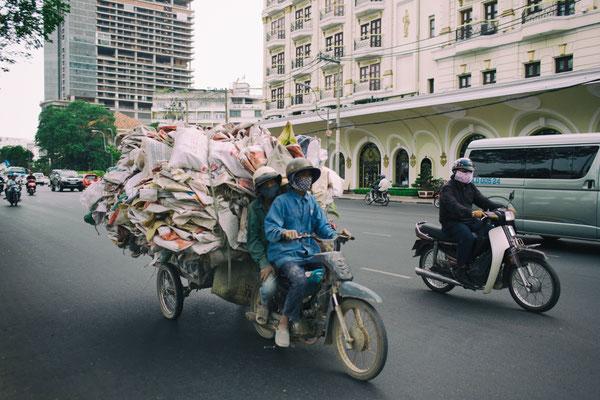 es gibt nichts was nicht mit dem Roller transportiert wird