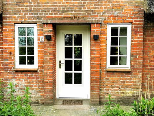 Haustür aus Holz nach vorhandenem Modell gefertigt