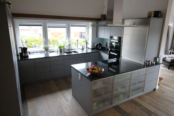 Rolladenschrank küche  Küche der Tischlerei Dethlefsen in Reußenköge - Tischlerei Dethlefsen