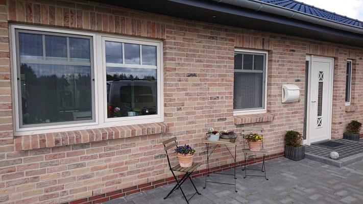 Insektenschutz- Fenster mit Aluminium- Rahmen