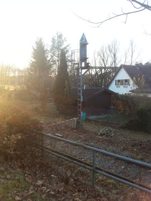 Das Einfahrsignal von der stillgelegten Strecke in die Spitzkehre Voglau