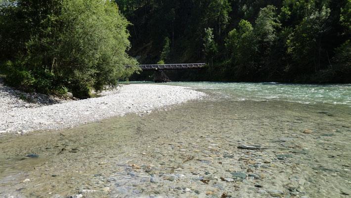 Blick auf die Semslacher Brücke. Ein besonders schöner Abschnitt.