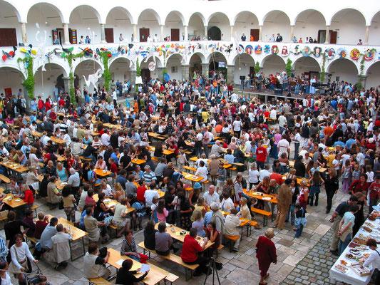 Schulfest im Arkadenhof - 25 Jahre BRG-Viktring