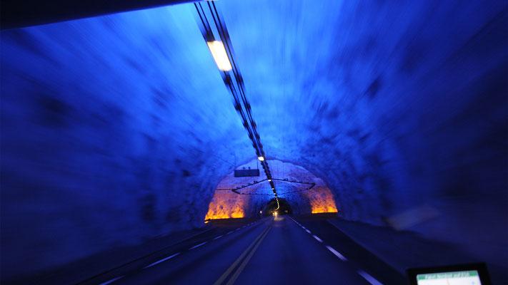 Der Laerdaltunnel ist mit 24,51 km der längste Straßentunnel der Welt.