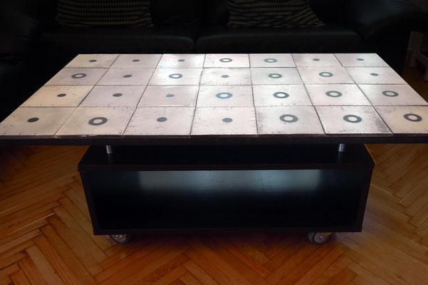 Dazu passender fahrbarar Wohnzimmertisch (ca. 110x65cm)