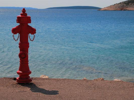 Ein Hydrant direkt am Wasser...