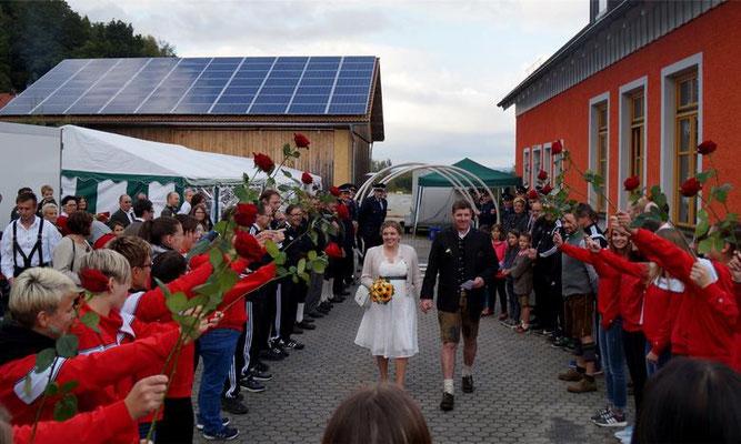 Blaskapelle gratuliert zur Hochzeit