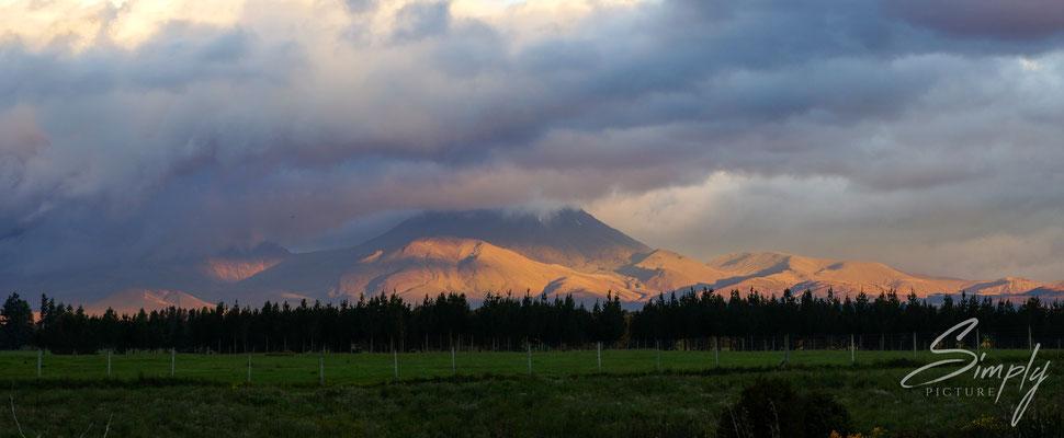 National Park Village, Sonnenuntergang an den Vulkanen des Tongariro