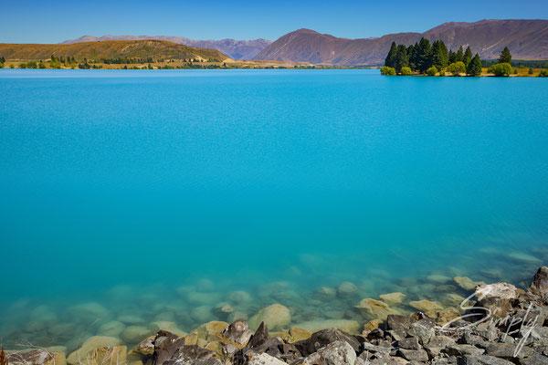Tekapo, Stahlblaues Wasser des Lake Tekapo