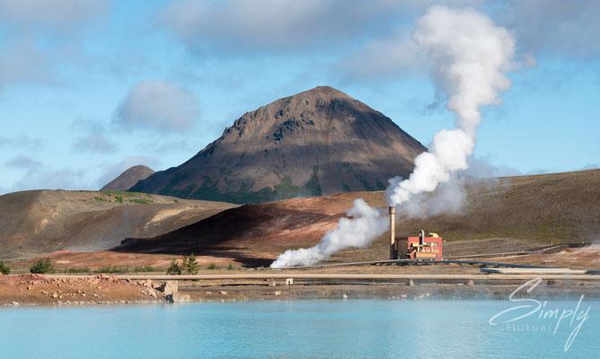 Erdwärme-Energiegewinnungsanlage bei Mývatn, Blue Lake.