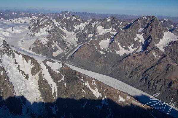 Flug-Neuseland Alpen, Gletscher in dem Gebirge, von Oben