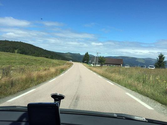 Fahrt über die Route du Crete nach dem Grand Ballon Richtung Col de la Schlucht mit spektakulärer Aussicht