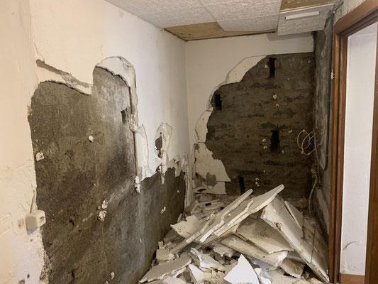 Kellersanierung,Feuchtigkeit in Mauern, Bruchsteinwand