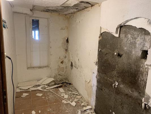 Kellerabdichtung, Keller Abdichten von innen im Injektionsverfahren, Injektionsabdichtung,Feuchtigkeit in Mauern