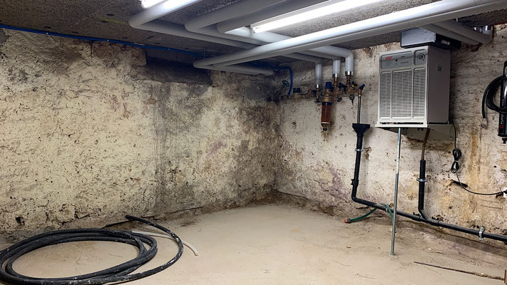 Feuchter Keller, Nasse Bruchsteinwand von innen abdichten
