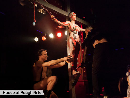 OPIUM Excessive Art Theatre with GUT REACTION  @ KitKatClub - Foto: House of Rough Arts
