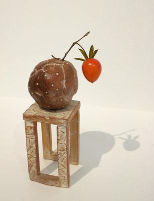 ~  自作の花器に・・・ ~ 直径2cmのローヤ柿 My small planet☆...    (2020.12.13) (c) Yukie Arai