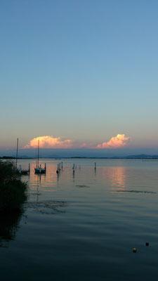 ~  夕涼み  ~  琵琶湖の雲と たわむれる☆... (2017.7.28) (c) Yukie Arai