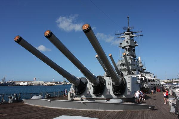 Pearl Harbour - Battleship USS Missouri