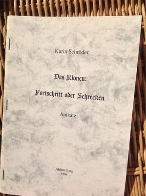 Karin Schröder/™Gigabuch Forschung/Aufsatz/Das Klonen/1998/Einband