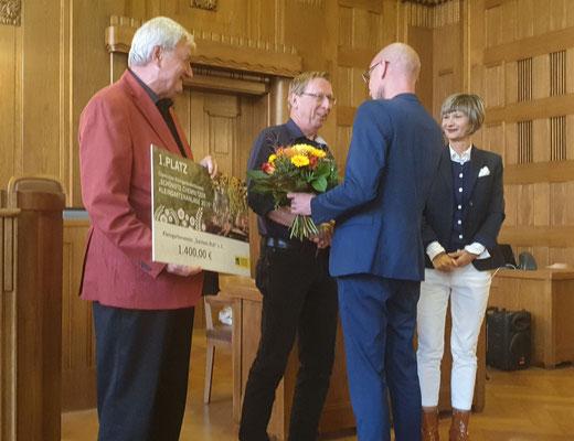 Sieger-Ehrung (v. r. n. l. Barbara Ludwig, Jens Peter, Rainer Leonhardt und Dr. Wilfried Ulbrich)