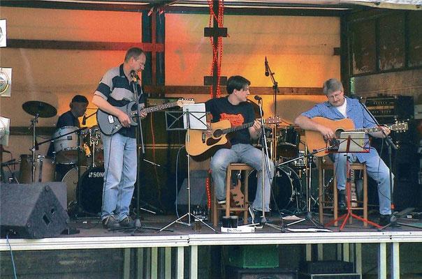 Hambühren II. Open Air mit Benjamin und Begleitmusikern