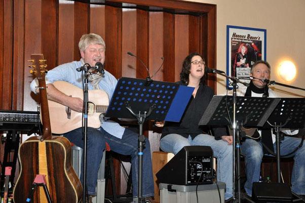 Kulturdiele Dollern im Januar - mit meiner Tochter Kathrin und Gitarrist Markus