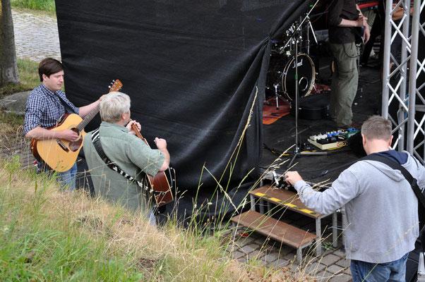 """Festival RockUp in Steinkirchen - das """"warm up"""" hinter der Bühne"""