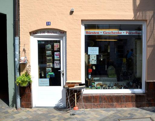 """Der """"Kleine Laden"""" von vorne"""