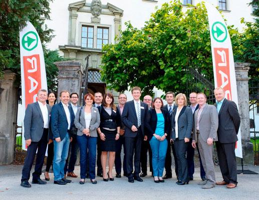 Die SPAR-Landesausschussmitglieder der SPAR-Zentrale St. Pölten gemeinsam mit Direktor Mag. Alois Huber