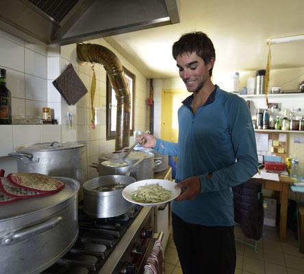 Chez nous, les guides ils sont et font comme chez eux, ils se cuisinent leurs petites ravioles ! ( avec Benjamin Védrines )
