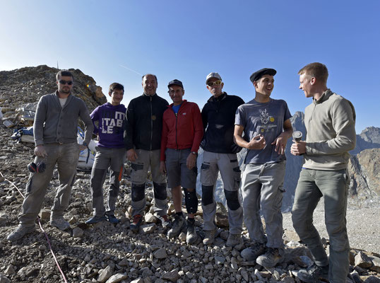 Une photo de groupe qui sent la fin d'une très belle aventure ! Merci à tous !