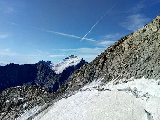 Le passage classique de la voie normale, de la glace et des pierres qui tombent