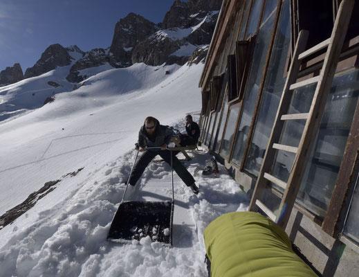 Tom à la réalisation du boulodrome le plus haut du monde ?!