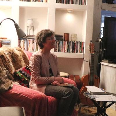 Kari Lessír im Gespräch mit dem Publikum. Foto: privat